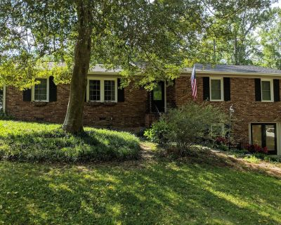 Comfortable Masters rental for 5-10 people in established West Augusta - Augusta