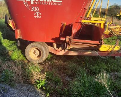 Supreme 500 single screw tmr mixer