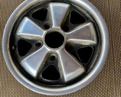 4 14x5.5 Porsche Alloy Rims