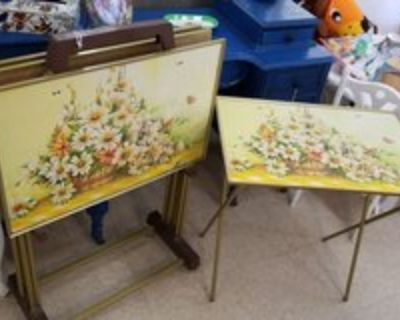 Vintage Retro TV Tray-Tables with Stand #2504-147