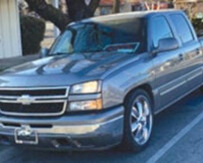 "2007 Chevy Silverado Extra Cab, 68K mi. 23"" custom rims/"