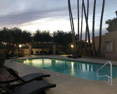 Scottsdale Paradise // patio home w/pool near Old Town - South Scottsdale
