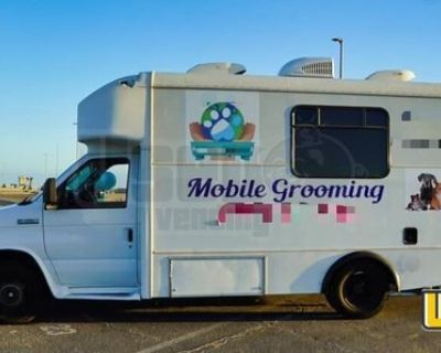 2007 Ford F450 Pet Grooming Truck / Mobile Pet Grooming Business