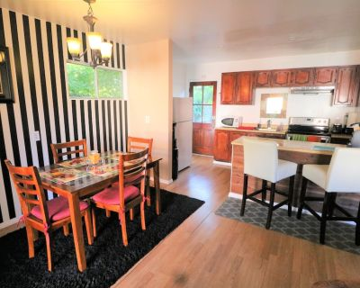 Charming Cottage Near Universal, Hollywood, Beverly Hills, Downtown, LA Beach's! - Sherman Oaks