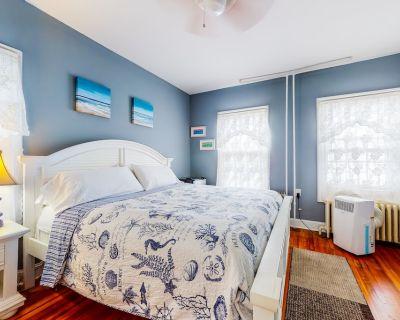 Historic 1st-floor Suite Near the Ocean W/free Wifi, Partial A/c, Outdoor Shower - Ocean City