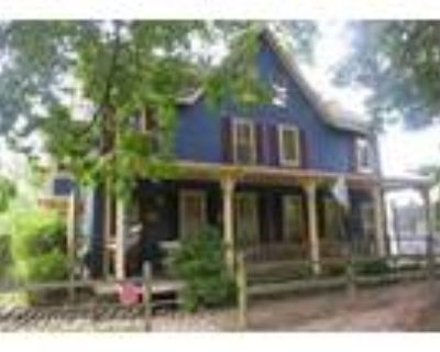 105 Chesterfield Ave 1st fl