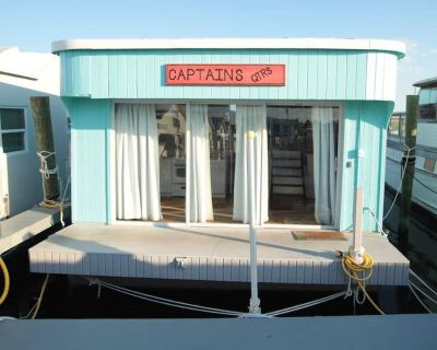 "Aqua Lodge Houseboat ""Captain's Quarters"" - Tavernier"