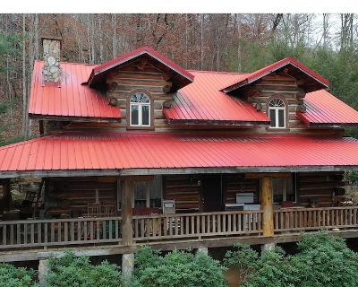 Large built with local timber, mountain views, pool table, stocked pond - Mars Hill