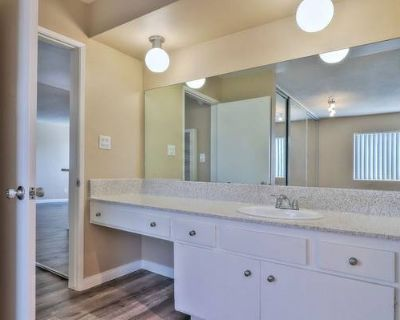 1BR/1BA Apartment Includes Access to a Spa & a Pool