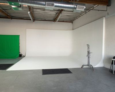 NEW Clean Spacious Photography and Film Studio, GLENDALE, CA
