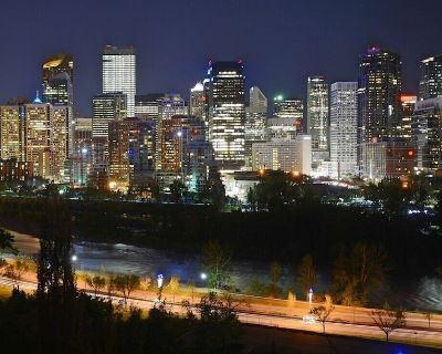 GORGEOUS 3BED Beside Bow River, Downtown, C-train - Sunnyside