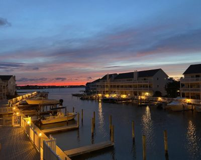 Townhouse on the Bay! Sleeps 8 w/ Boat Dock and Accsess to Indian River Inlet - Cedar Neck
