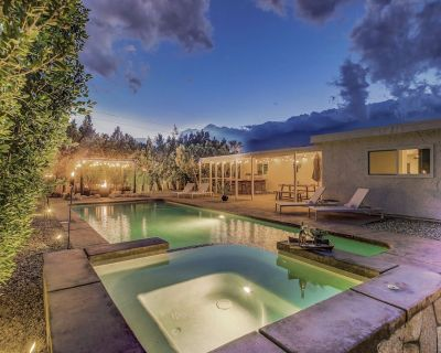 The Autry Villa: Pool, Spa, Fire Pit, Built-In BBQ, Bocce Ball!!! - Palm Springs