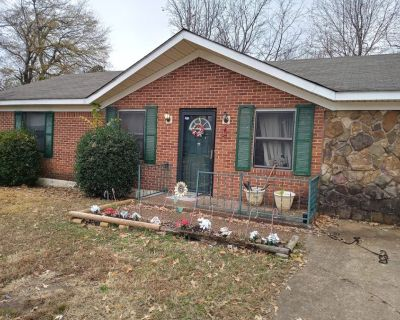 ROOM FOR RENT EVERYTHING INCLUDED IN JACKSON TN