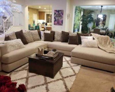 Suburban Model Home With Huge Front & Back Yard, Murrieta, CA