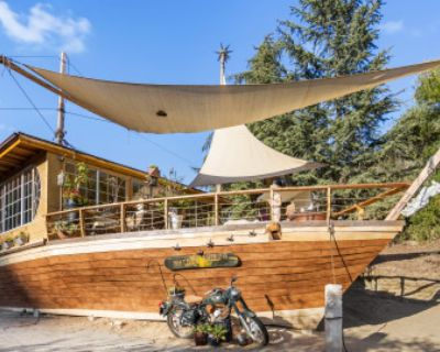 Eclectic Stranded Ship with Vast Mountain Views, Topanga, CA