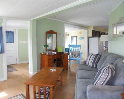 Chautauqua Lakefront Cottage- Low Boat Traffic Bay - Town of Ellery