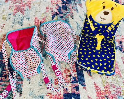 2 baby doll carriers and build a bear car seat chair