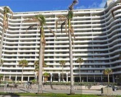 5555 Collins Ave #7M, Miami Beach, FL 33140 1 Bedroom Condo