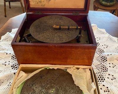 Antiques, Vintage and Everything in Between in Hemet