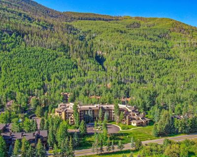 2BR Condo with easy access to Vail Mtn, Vail Golf Club, and great Mountain Views - Vail