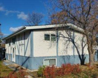 Furlan Blvd & Berkley St, Winnipeg, MB R3R 1J9 Room