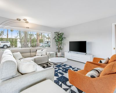 Mid-Century Modern Home w/ a Private Pool, Spa, & Gas Grill - Dogs OK! - Deepwell Estates