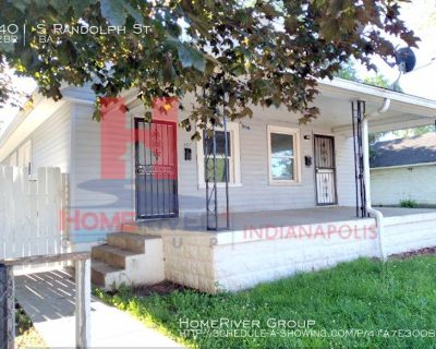 Fantastic well maintained 2 BE /1 BA duplex!