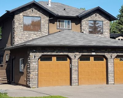 Lakefront home 3100sq ft 4 bdrms, 7 beds sleeps 13 - Chestermere