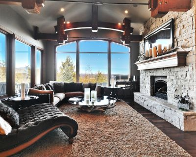 LUXURY SKI CHATEAU, FABULOUS VIEWS, SLEEPS 17 IN COMFY BEDS - Park City