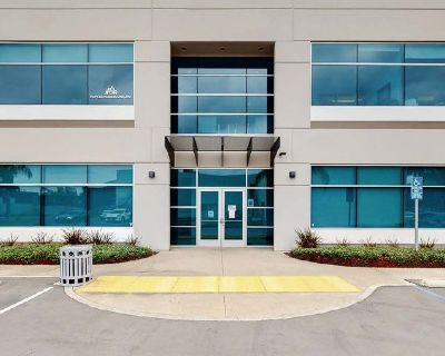 914 SF Office Space For Lease