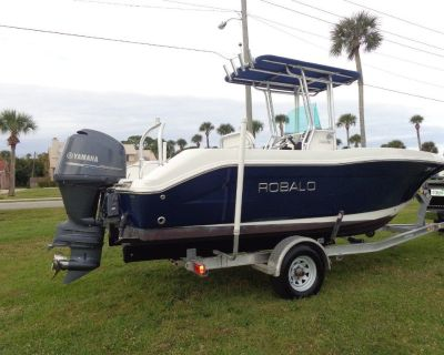Selling our family CENTER CONSOLE 2013 ROBALO R200, 150 YAMAHA, T TOP, SKI TOWER