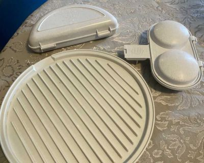 New never used Nordic ware microwave 2 sided bacon and meat grill, 2 egg poacher and omelet pan