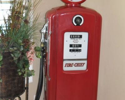 Vintage Texaco Fire Chief Bennett Gas Pump