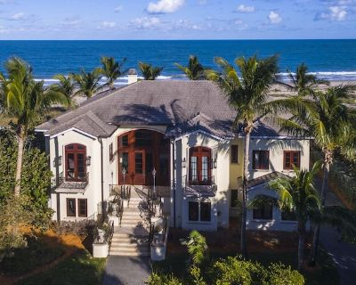 Secluded Oceanfront house in the Vero Beach Estate Area - St. Lucie County