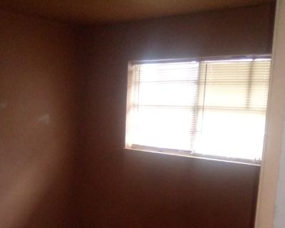 Private room with shared bathroom - Shreveport , LA 71109