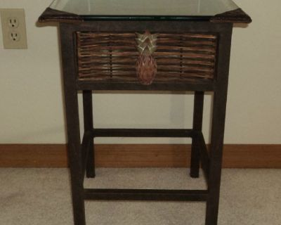 New - Pineapple Table with Glass Top