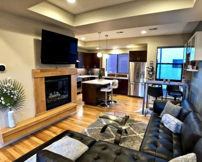 Rooftop Retreat-modern townhome in the heart of LoHi- roof deck-walk everywhere! - Highland