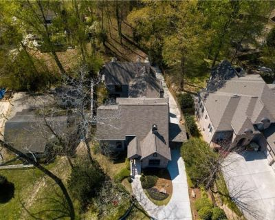 4BR 5BA 5,000-square-foot home with infrared sauna and newly-renovated theater! - Channing Valley