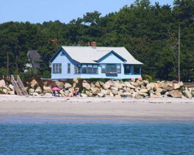 Ocean front house on Goose Rocks Beach! Kid friendly! - Goose Rocks Beach