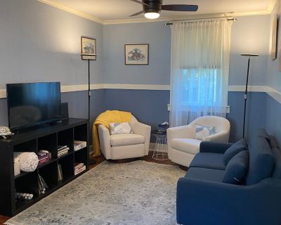 Updated Cottage Nestled in the Heart of Old Town Auburn - Auburn