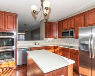 93 9th St Nw #CONDO, Carmel, IN 46032 3 Bedroom House