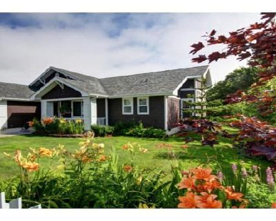 Spacious & beautiful ranch style home w/ hot tub - pet friendly - Seaside