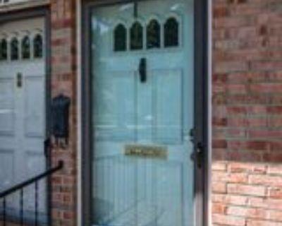 200 Fairfax Ave, Louisville, KY 40207 1 Bedroom Condo