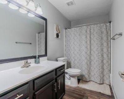 Clairmont Rd Ne, Brookhaven, GA 30329 Room
