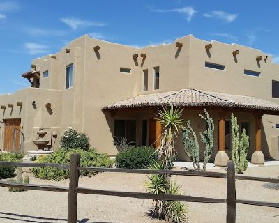 Quiet Luxury: Heated Pool, Putting/Chipping Greens, Kiva, & Views! Golf close! - Rio Verde Foothills