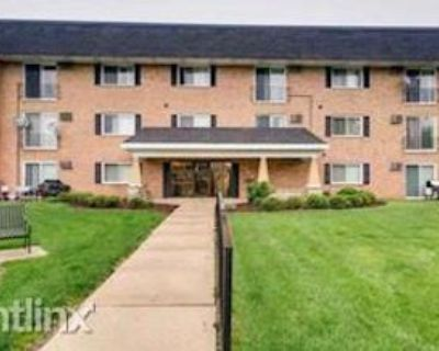 560 Lawrence Ave #216, Roselle, IL 60172 1 Bedroom Condo