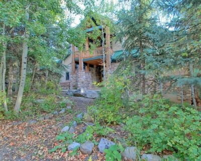 Luxury Mountain Home. 6 Bedrooms, 5.5 Bath. Theater, Hot Tub, Steam Rm, Sauna - Sundance