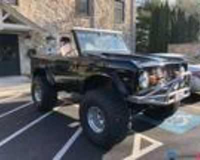 1977 Ford Bronco 302 3-Speed