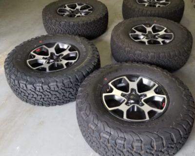 Georgia - Rubicon Wheels & Tires (5) with TPMS $1300 (taken off at 1000 miles)